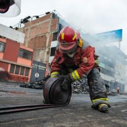 fireman bomberos lima city air pollution